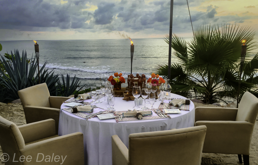 Romantic dinner by the Bay of Banderos