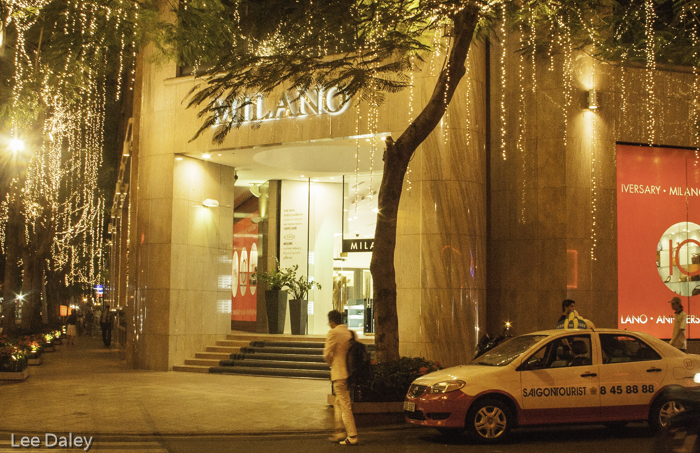 diverse culture of Vietnam, Saigon shopping, Saigon boutique, Saigon shopping boutiques stay open late.