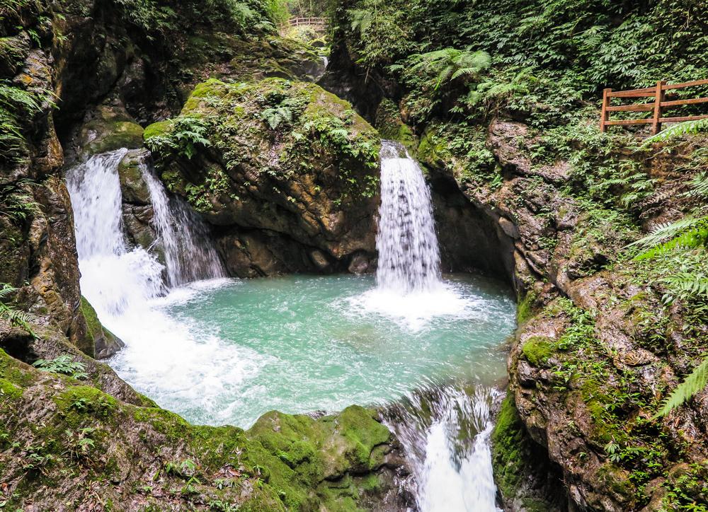 Black Mountain Valley, triple waterfall, hiking path, China 5A site, Chongqing
