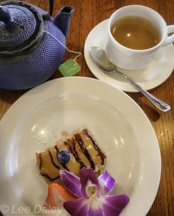 Pacifica, CA, tea and dessert at Puerto 27 Peruvian Kitchen and Pisco Bar, where I enjoyed lunch, the Pisco Sours are as good as those in Peru, a family-run restaurant with a delicious menu. This is a lovely place near Linda Mar Beach, great for cocktails with spectacular views, dinner and lunch menu.