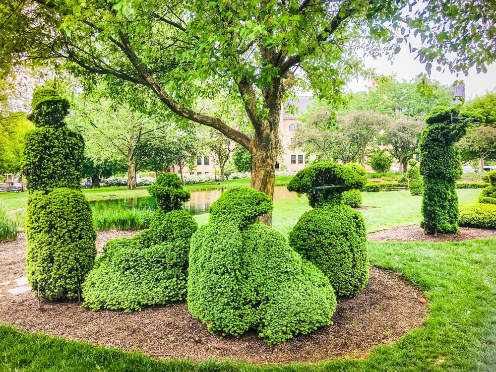 topiary picnic group,Topiary Park, Downtown Columbus, Ohia, Seurat painting replica