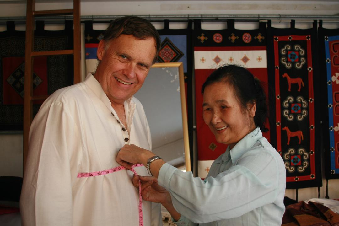 fitting-tailor-seamstress-Hoi An